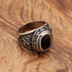 Prstan Črni kristal in Vsevidno oko