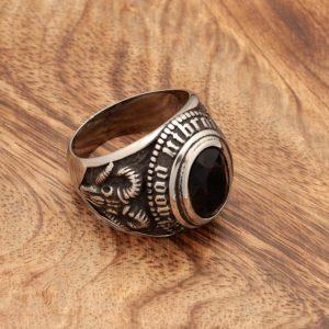 Prstan Črni kristal s kozlovo lobanjo