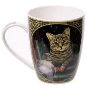 mačka s kroglo Lisa Parker