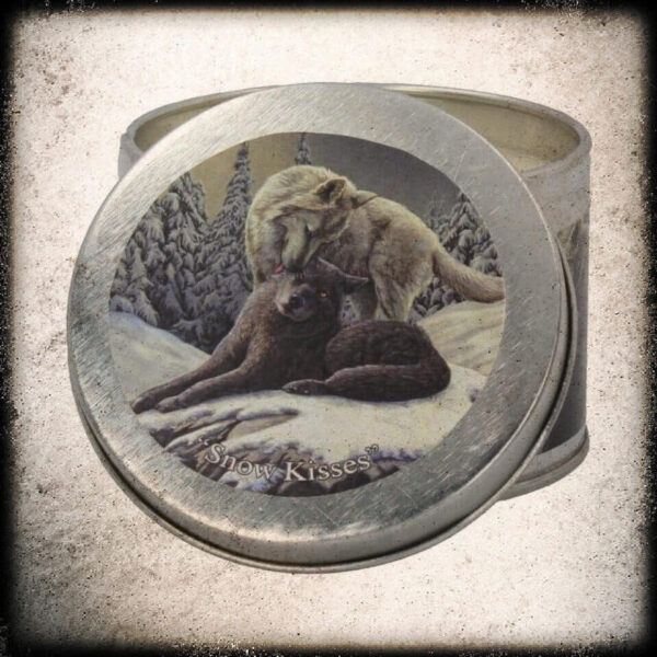 svečka volk zimski vonj