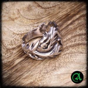 zmaj prstan iz nerjavečega jekla