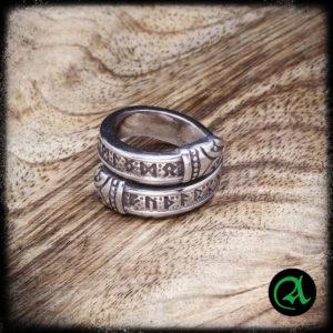 Prstan nordijske rune