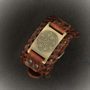slovanski kolovrat usnjena rjava zapestnica z bronasto ploščico