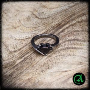 črno srce prstan