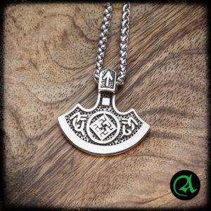 Slovanska sekira amulet