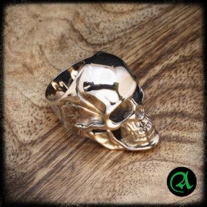 lobanja prstan bajkerski