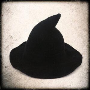 moderni čarovniški klobuk