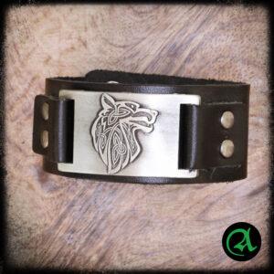 usnjena zapestnica volk