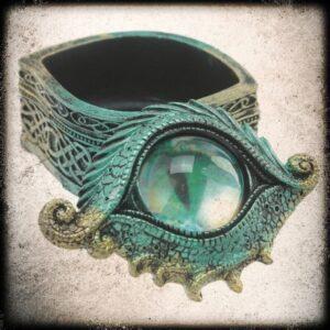 zeleno zmajevo oko skrinjica