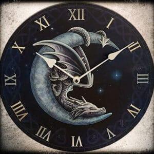 Stenska ura zmaj na luni